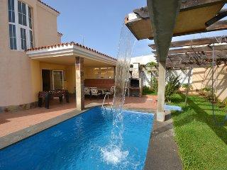 B02GC Great villa for 8 - Playa del Ingles vacation rentals