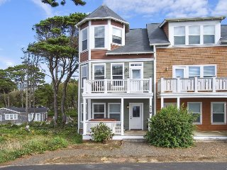 Bella Breeze~Peek of the Ocean - Lincoln Beach vacation rentals
