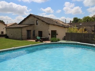 3 bedroom Gite with Internet Access in Lezay - Lezay vacation rentals