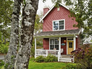 Perfect House with Deck and DVD Player - Lincoln Beach vacation rentals