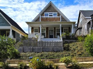 Charming 3 bedroom Lincoln City House with Deck - Lincoln City vacation rentals