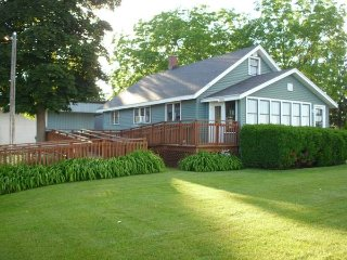 3br - Vacation home GT Bay - Traverse City vacation rentals