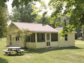 Nice 3 bedroom Cottage in Alden - Alden vacation rentals