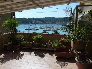 Beautiful 1 bedroom Condo in Le Grazie with Television - Le Grazie vacation rentals