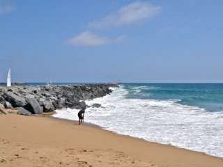 Modern Condo - 1 house to beach & pier, steps to restaurants! - Newport Beach vacation rentals