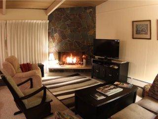 2 bedroom Apartment with Water Views in Gearhart - Gearhart vacation rentals