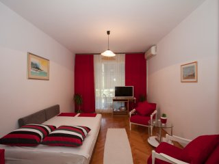 2 bedroom Apartment with A/C in Omis - Omis vacation rentals