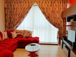 Stylish 1 bedroom apartment in JLT, Dubai - Dubai vacation rentals