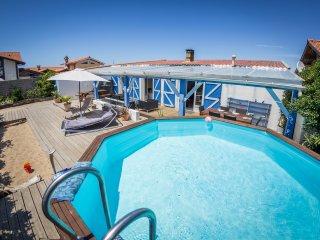 Villa Oceana 50 m de la plage les pieds dans l'eau - Ondres vacation rentals