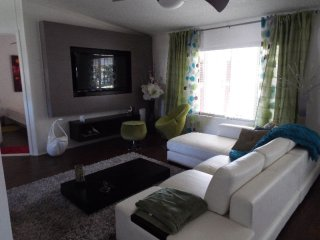 4 bedroom Caravan/mobile home with Internet Access in Pompano Beach - Pompano Beach vacation rentals