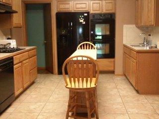 Hot Tub, Sauna, and Large Spacious Rooms ........ - Wichita vacation rentals