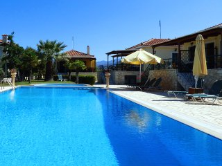 "Villa ""HERMES"" 2 apartments with pool and garden - Paralio Astros vacation rentals"
