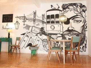 A Portuguesa III, at Bica's Funicular St - Lisbon vacation rentals