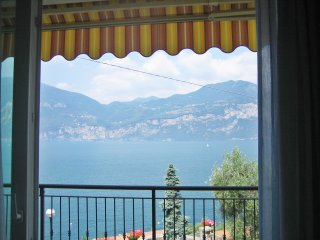 Cozy 2 bedroom Brenzone Apartment with Internet Access - Brenzone vacation rentals