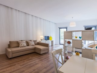 "BRIGHT APARTMENT ""MAGNOLIA"" FOR 2/3 GUESTS - Porto vacation rentals"