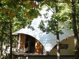 Lodge de charme équipée pour 2 pers vue magnifique au calme/Jacuzzi & Piscine - Ghisoni vacation rentals
