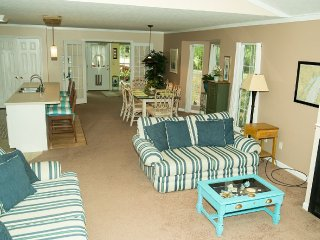 Our pet friendly/senior friendly home is perfect - Guntersville vacation rentals