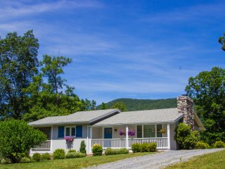 Perfect 2 bedroom Cottage in Luray - Luray vacation rentals