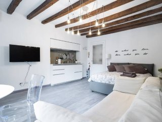 Milano Apartments - Navigli / Porta Genova - Milan vacation rentals
