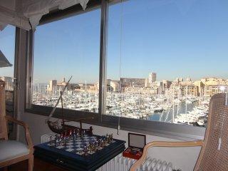 NAUPATHIE Magnifique T3 lumineux sur le Vieux Port - Marseille vacation rentals