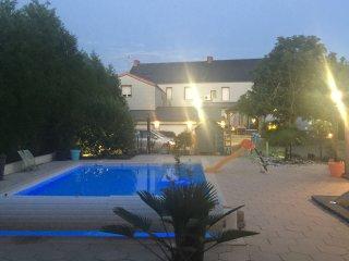 Appartement N°12 centre ville piscine sauna pour 2 - La Roche-sur-Yon vacation rentals