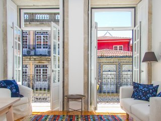 Liiiving in Porto | Blue Flower Apartment - Porto vacation rentals