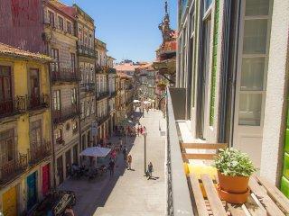 Liiiving in Porto   Blue Flower Apartment - Porto vacation rentals