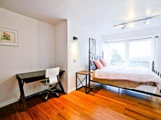 Cozy apartment with views of SF - Brisbane vacation rentals