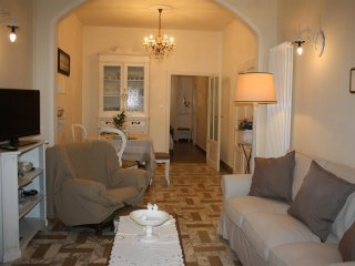Cozy 2 bedroom Apartment in Pietrasanta - Pietrasanta vacation rentals