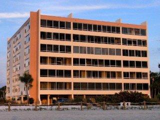 FISHERMAN'S HAVEN 305 - 2 BDRM. ON BEACH - Siesta Key vacation rentals