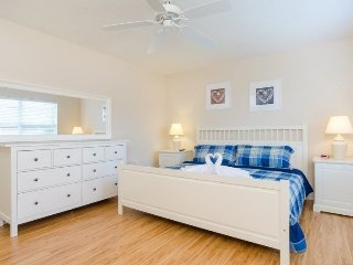 AWESOME Regal Palms Resort,4 Bed home Near Disney! - Davenport vacation rentals