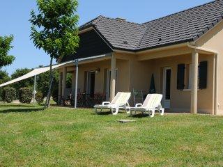 Fermette de campagne avec vue panoramique - La Chapelle-aux-Brocs vacation rentals