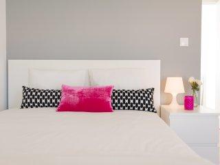 CASASUPERTUBOS APART T1 - Double Beds - Atouguia da Baleia vacation rentals