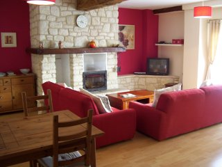 Charming 2 bedroom House in Montreuil-Bellay - Montreuil-Bellay vacation rentals