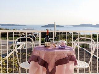 3 bedroom Condo with Internet Access in Brsecine - Brsecine vacation rentals
