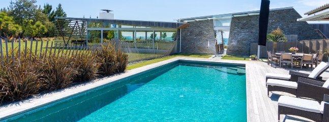Kina Retreat - Luxury Nelson Holiday Home Accommodation - Mariri vacation rentals