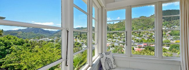 Grampian Views - Nelson Holiday Home with Character & Charm! - Nelson vacation rentals