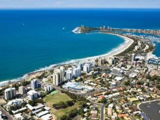 Your own non smoking rm only 500mtr from beaches - Mooloolaba vacation rentals