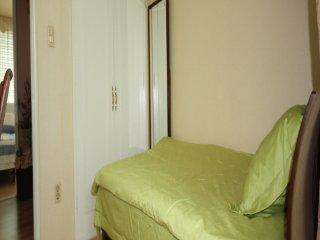 REAL KOREA HOME STAY at GARAK MARKET - 1 - Seongnam-si vacation rentals