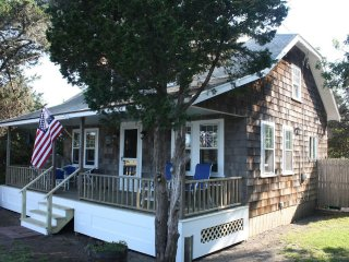 Comfortable Cottage with Fireplace and Microwave - Harwich vacation rentals