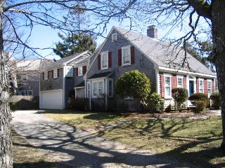 Charming Cottage with Deck and Washing Machine - Harwich vacation rentals