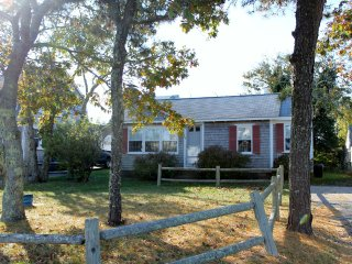 Cozy 3 bedroom Cottage in Harwich with Microwave - Harwich vacation rentals