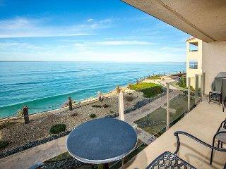 Beautiful oceanfront condo - SBTC204 - Solana Beach vacation rentals