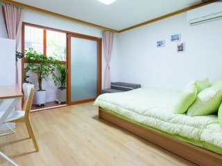 Perfect 2 bedroom Private room in Gyeonggi-do - Gyeonggi-do vacation rentals