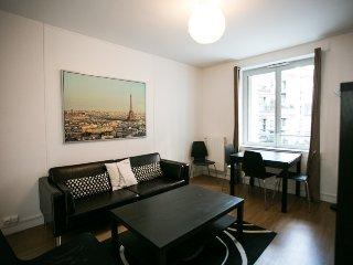 Classic Parisian 3-BR Apt - Paris vacation rentals