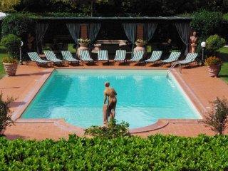 Villa con Piscina Jacuzzi e Sauna - Foiano Della Chiana vacation rentals