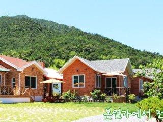 Welcome to Bonyeanga house of Namhae where love is! - Gyeongsangnam-do vacation rentals