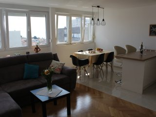 Apartment Ursus Minor - Split vacation rentals