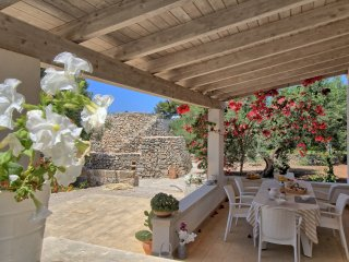 Villa AnticoTrullo di LoveSud Top Holiday Homes - Marina San Gregorio vacation rentals