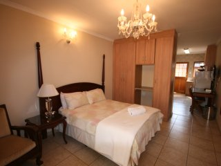 One Bedroom Self-Catering Unit in Fourways - Fourways vacation rentals
